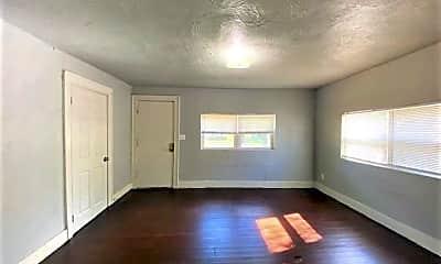 Living Room, 236 SE 35th St, 1