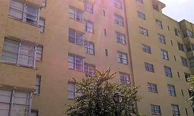 Johnstone Apartments, 2