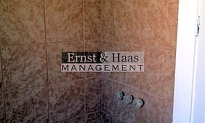 Bathroom, 847 Cerritos Ave, 2