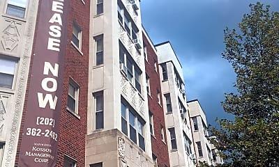 La Reine Apartments, 0