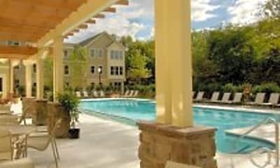 Pool, Windsor at Oak Grove, 0