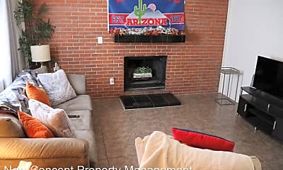 Living Room, 1525 N 7th Ave, 1