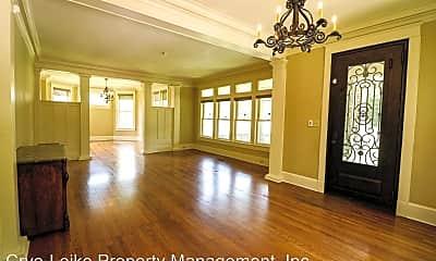 Living Room, 598 N Trezevant St, 1