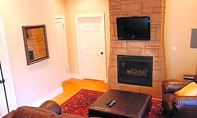 Living Room, 117 N 35th St, 0