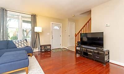 Living Room, 3912 Glengyle Ave, 2