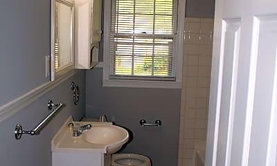 Bathroom, 1123 White Blvd, 2