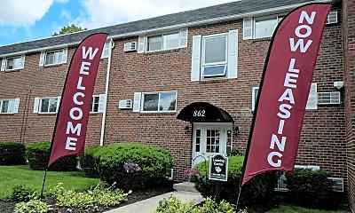Community Signage, Highland Manor Apartments, 0