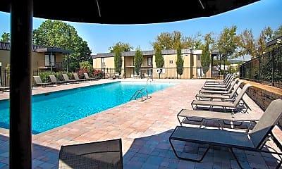 Pool, Avenue Nashville West, 0