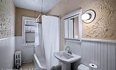 Bathroom, 2544 Harriet Ave, 2