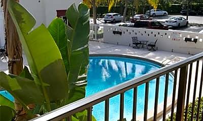 Pool, 6711 N Kendall Dr, 1