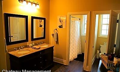 Bathroom, 834 NW 27th St, 1