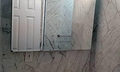 Bathroom, 286 Eastern Pkwy, 2