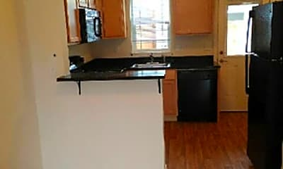 Kitchen, 26 Owosso Dr, 1