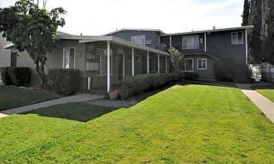 Building, 6419.5 Whitsett Ave, 2