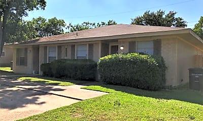 Building, 3613 Comanche St, 2