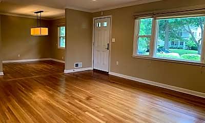 Living Room, 1334 Mayflower Dr, 1