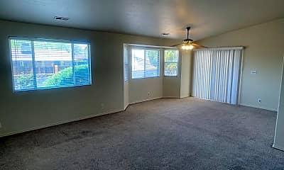 Building, 403 N 700 E, 2