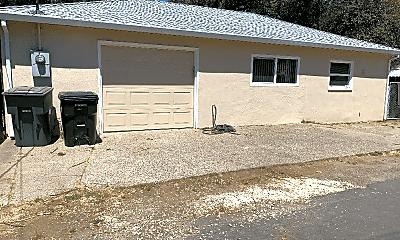 Building, 836 Shearer St, 0