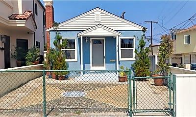 209 4th St HOUSE, 1