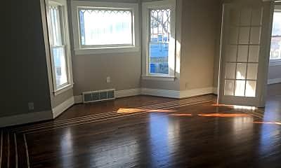 Living Room, 246 Pennsylvania Ave, 2