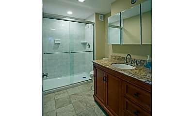 Bathroom, 106 E State St 3, 2