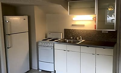 Kitchen, 412 Perrin St, 1