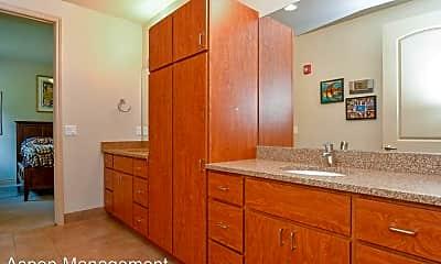 Bathroom, 1397 Cottonwood St, 2
