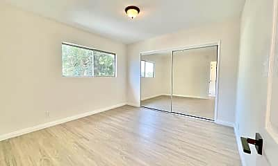 Living Room, 6402 S Victoria Ave, 2