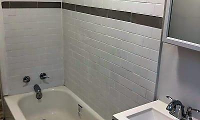 Bathroom, 4913 Frankford Ave, 1