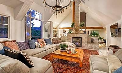 Living Room, 2661 Juniper Hill Rd, 0