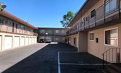 Building, 485 Linden St, 1