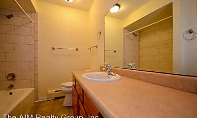 Bathroom, 535-569 Maple Avenue, 0
