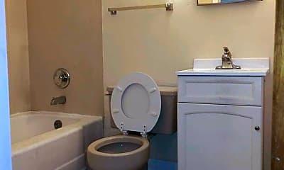 Bathroom, 401 N Longwood St, 2