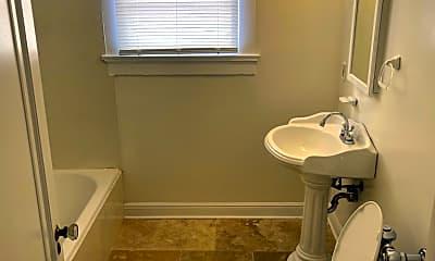 Bathroom, 3701 Canal St K, 2