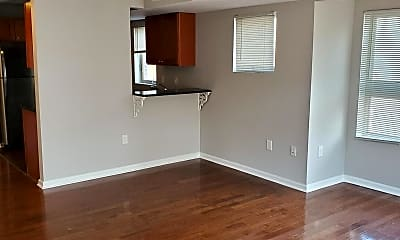 Living Room, 1800 Reed St 2, 1