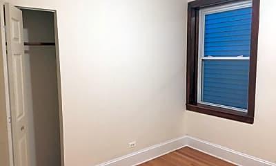Bedroom, 2355 N Moody Ave, 2