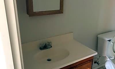 Bathroom, 3602 Guerrero St, 2