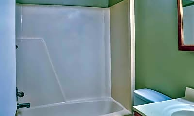 Bathroom, Green Meadows Apartments, 2