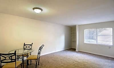 Living Room, Ridgewood Apartments, 1