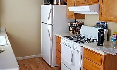 Kitchen, 991 Wren Drive, 1