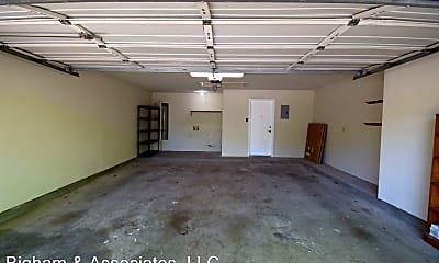 Building, 1112 Faircrest Dr, 2