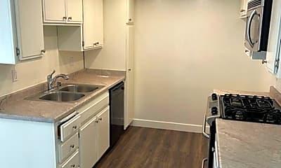 Kitchen, 17126 Woodruff Ave, 1