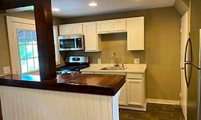 Kitchen, 4146 Doris Ave, 1