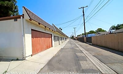 Building, 650 W Gonzales Rd, 2