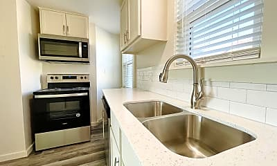 Kitchen, 727 Culbertson Dr, 1