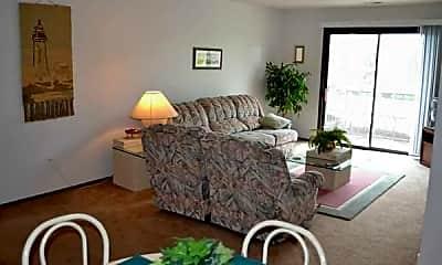 Baypointe Apartments, 2