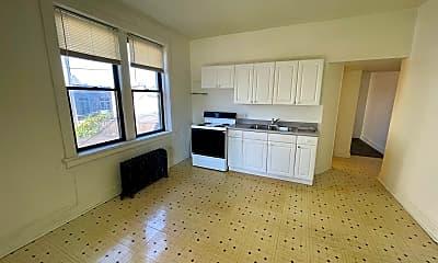 Bathroom, 1009 4th Ave, 2