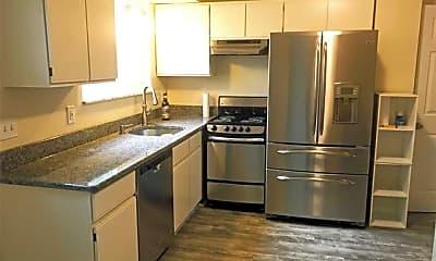 Kitchen, 1305 Catalpa Dr, 1