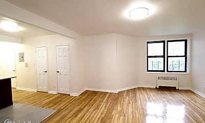 Living Room, 132-57 Sanford Ave, 1