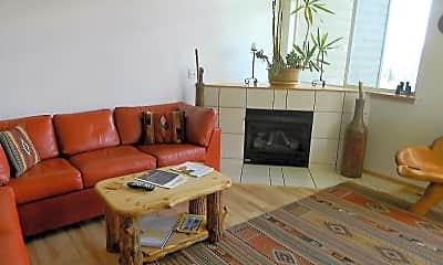 Living Room, 81D Cydney Ln, 1